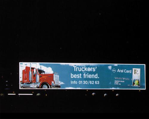Reflex-Folie auf einem Truck